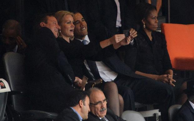 obama-cameron-selfie-